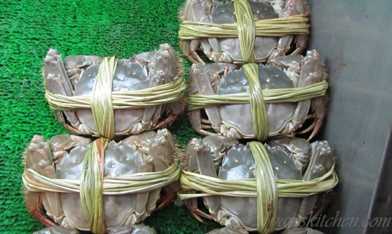 Steamed Shanghai hairy crab