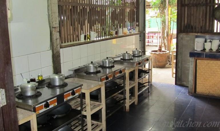 Phat Kra Prao Kai