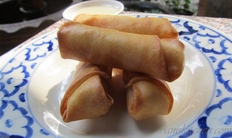 Thai banana spring rolls