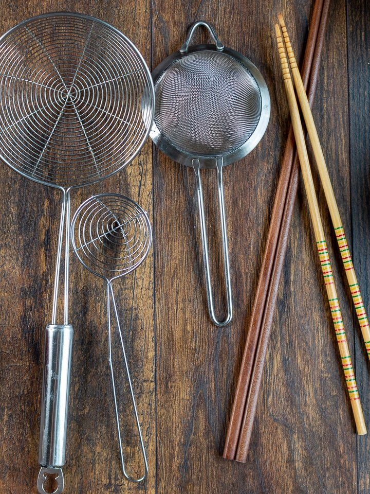 Ladles, Cooking chopsticks and strainer equipment.