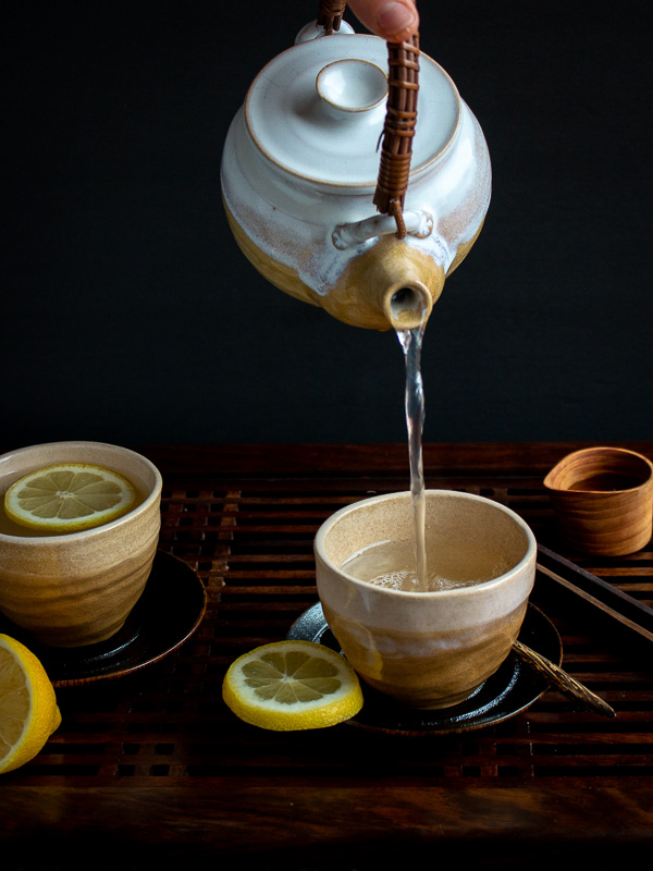 Tranquil Lemon Ginger Tea / https://www.hwcmagazine.com