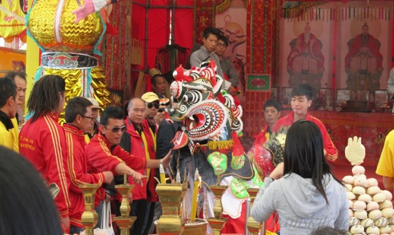 Pacifying the dragon with Tong Sui