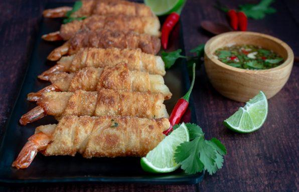 Thai Firecracker Shrimp Party Appetizer / https://www.hwcmagazine.com