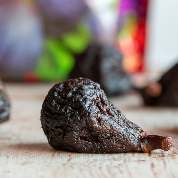 Close up photo of a dried mission fig.