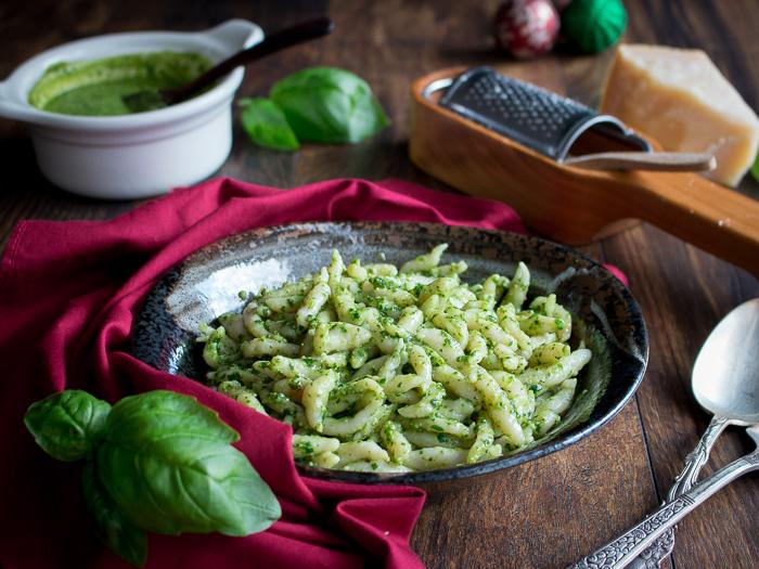 Trofie al Pesto / https://www.hwcmagazine.com