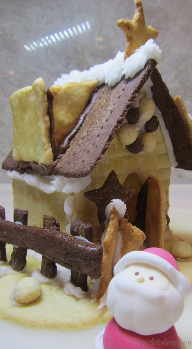 Muji Gingerbread house