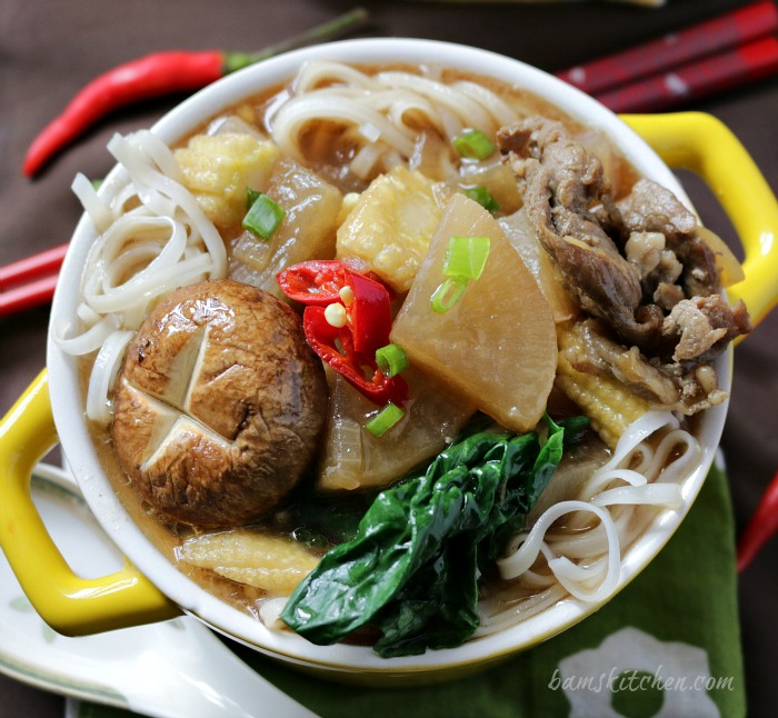 Five Spiced Beef Diakon Noodle Soup / https://www.hwcmagazine.com