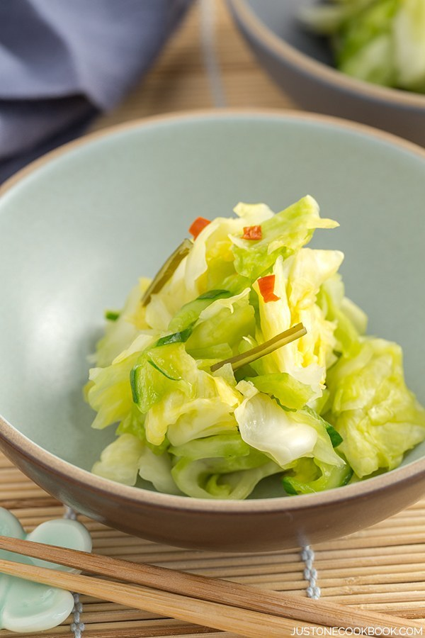 Tsukemono Pickled Cabbage / Just One Cookbook