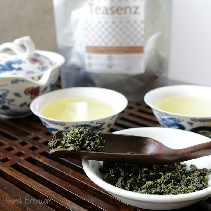 Oolong tea poured into Chinese cups