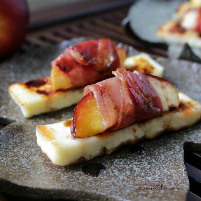 Chargrilled Halloumi Prosciutto Wrapped Nectarines and Balsamic Glaze / http://bamskitchen.com
