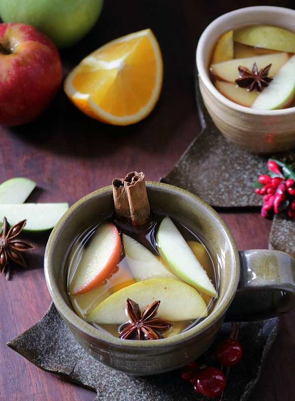 Warm Spiced Apple Cider / http://bamskitchen.com