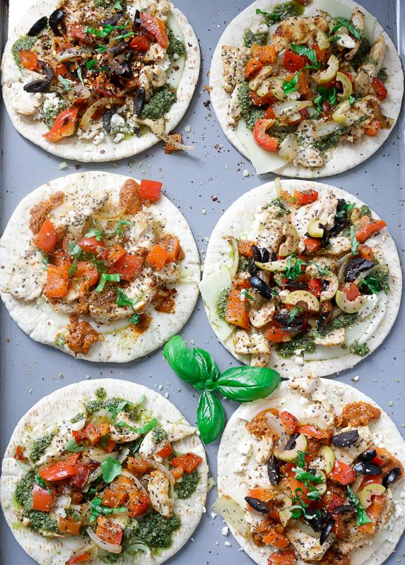 DIY Pita Pizza Party / https://www.hwcmagazine.com
