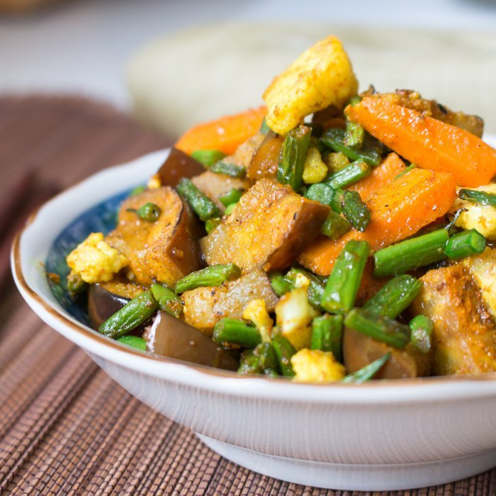 Turmeric Vegetable Medley / http://bamskitchen.com
