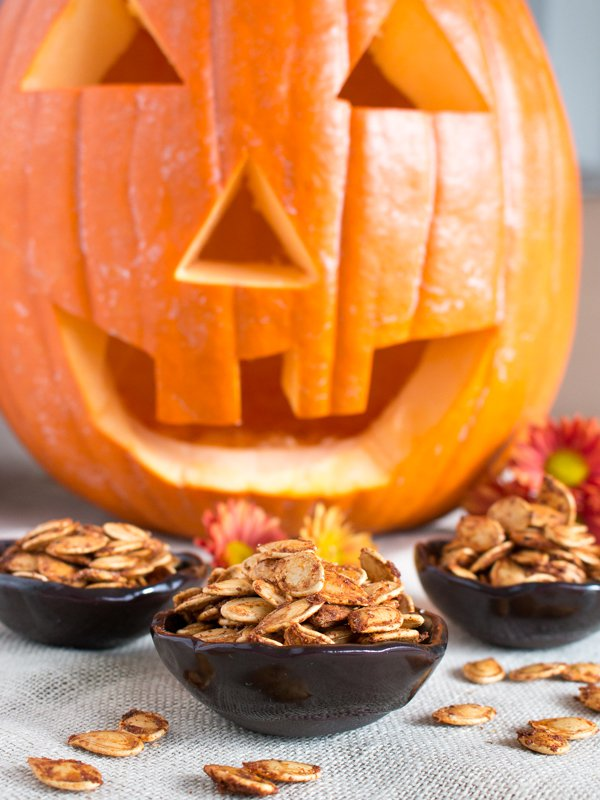 Roasted Cajun Pumpkin Seeds / http://bamskitchen.com