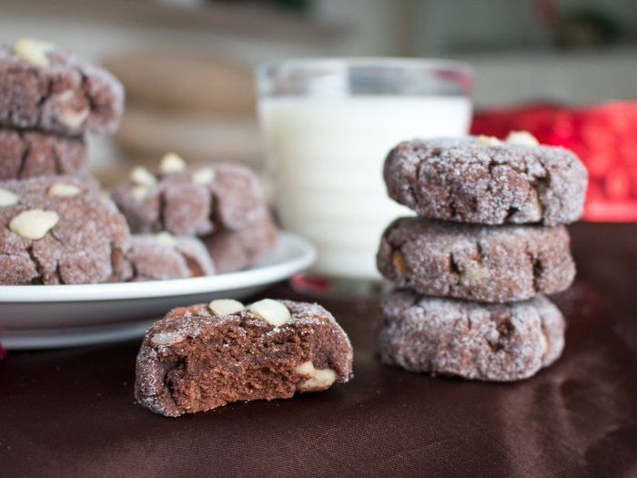 Dark Chocolate Macadamia Nut Cookies / http://bamskitchen.com