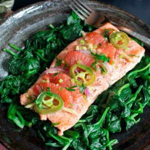 Spicy Citrus Baked Salmon Packets / https://www.hwcmagazine.com