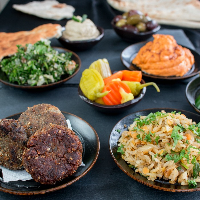 Middle Eastern Party Feast / https://www.hwcmagazine.com