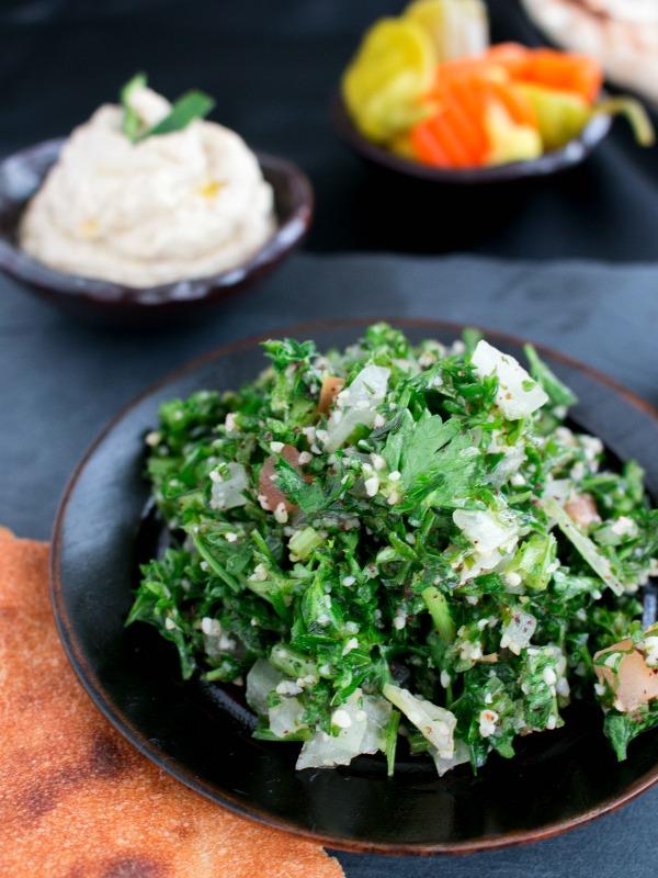 Easy Tabbouleh Lebanese Salad / https://www.hwcmagazine.com