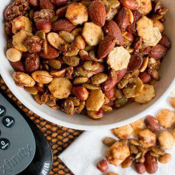 Spiced Nut Mix / https://www.hwcmagazine.com