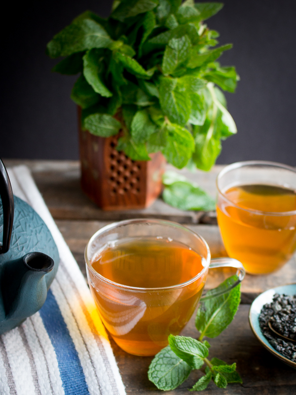 Mint leaves and tea ready to drink