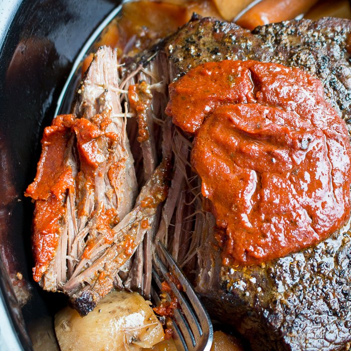Crazy Easy Italian Slow Cooker Pot Roast/ https://www.hwcmagazine.com