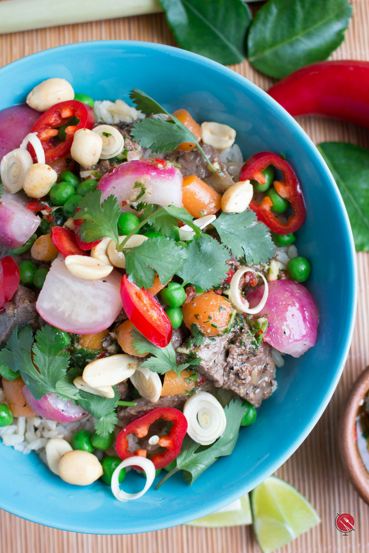 Spring Time Thai Beef Buddha Bowls/ https://www.hwcmagazine.com