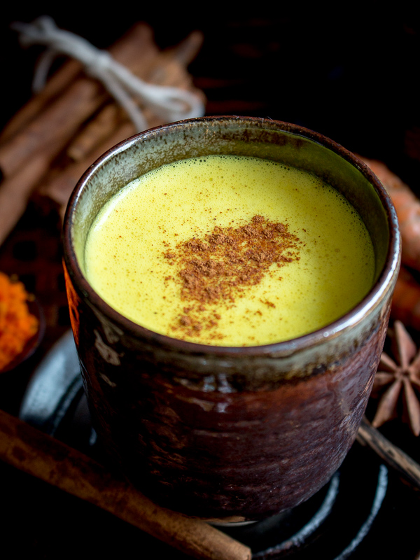 Easy Spiced Golden Milk / https://www.hwcmagazine.com