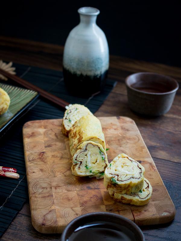 Japanese Egg Roll Tomagoyaki / https://www.hwcmagazine.com