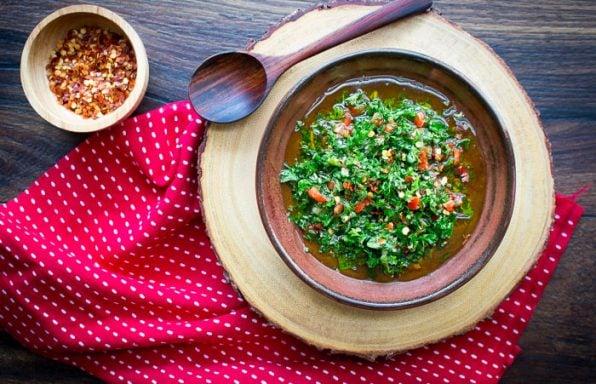 Spicy 5 Minute Chimichurri Sauce / https://www.hwcmagazine.com