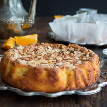 Best Orange Almond Flourless Cake / https://www.hwcmagazine.com