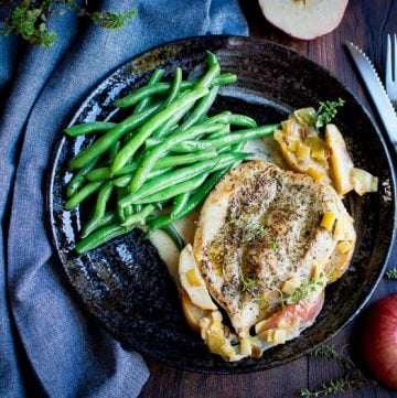 Skillet Creamy Chicken with Apples / https://www.hwcmagazine.com