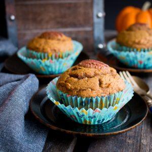 Healthy Pumpkin Muffins / https://www.hwcmagazine.com