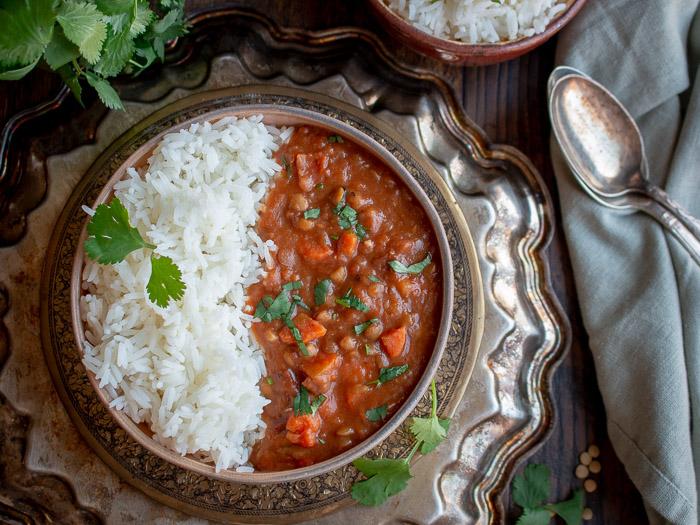 Instant Pot Lentil Ham Stew / https://www.hwcmagazine.com
