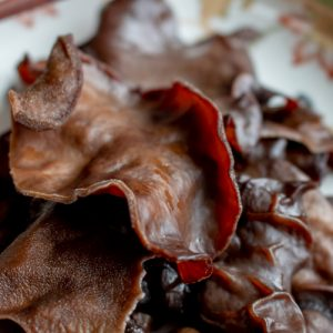 How to Prepare Wood Ear Mushrooms / https://www.hwcmagazine.com