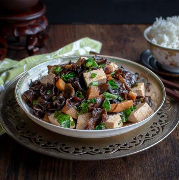 Wood Ear Mushrooms Vegan Stir Fry / https://www.hwcmagazine.com