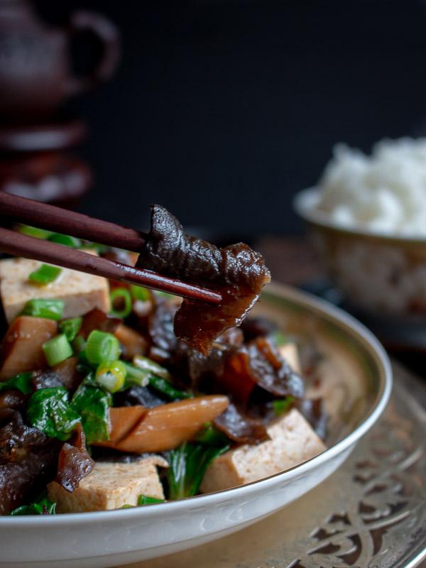 Wood Ear Mushrooms Vegan Stir Fry / https://www.hwcmagazine.com