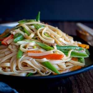 Better than Take Out Vegetable Lo Mein / https://www.hwcmagazine.com