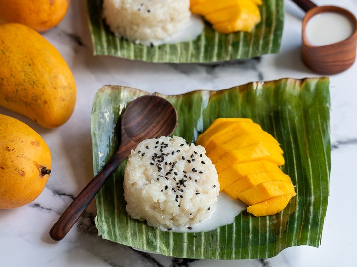 This image has an empty alt attribute; its file name is Easy-Mango-Sticky-Rice-9397.jpg